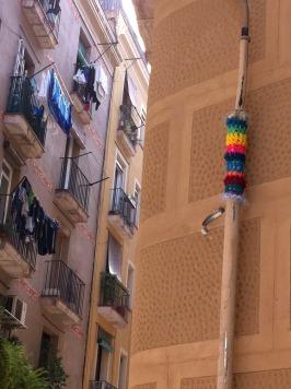bonowaps_yarnbombing_calle_sant_climent_barcelona