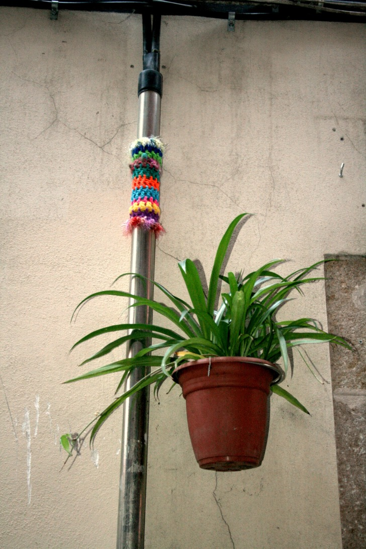 bonowaps_yarnbombing_carretes8_detalle
