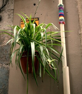 bonowaps_yarnbombing_carretes_supermercat_detalle