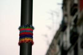 bonowaps_yarnbombing_detalle_farola_plaza_padro3