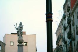 bonowaps_yarnbombing_farol_plaza_padro3
