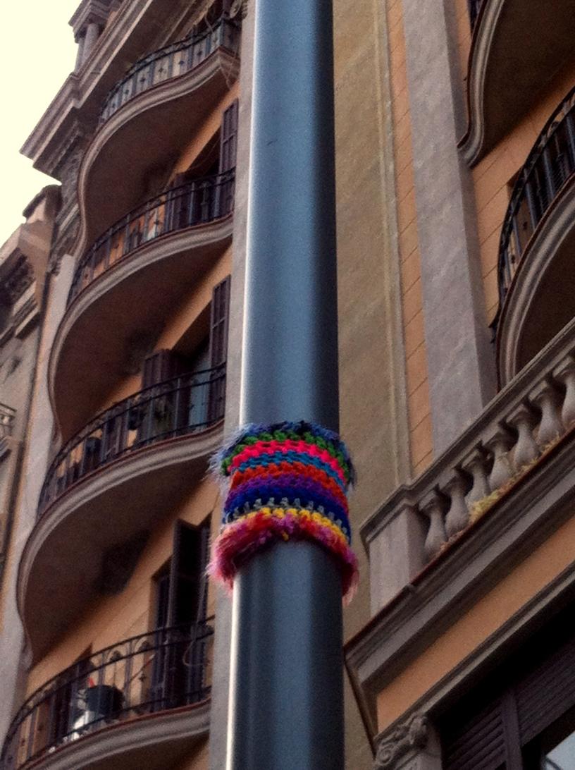 bonowaps_yarnbombing_farola_plazapadro_1